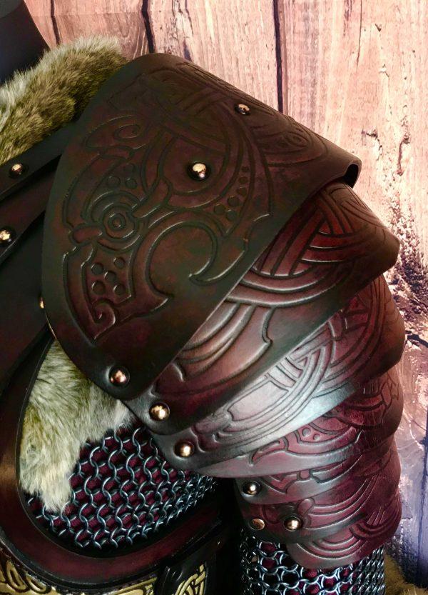 gunnar shoulders front